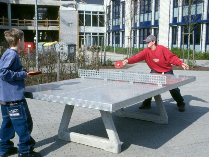 Tischtennisplatte freistehend
